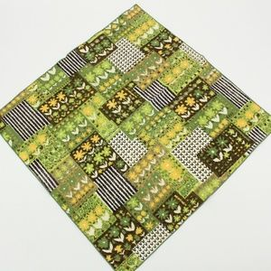 Vintage 1970's Bright Green Flower Pattern Scarf